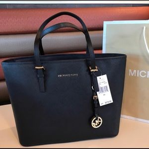 $278 Michael Kors Jet Set Travel Handbag Purse Bag